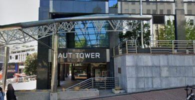 Puerta principal AUT International House Academia de Auckland Nueva Zelanda