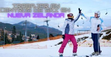 Dos esquiadores en un lugar centro de ski donde trabajar en Nueva Zelanda