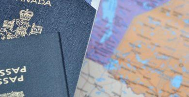 Mapa con pasaportes y visa en Nueva Zelanda
